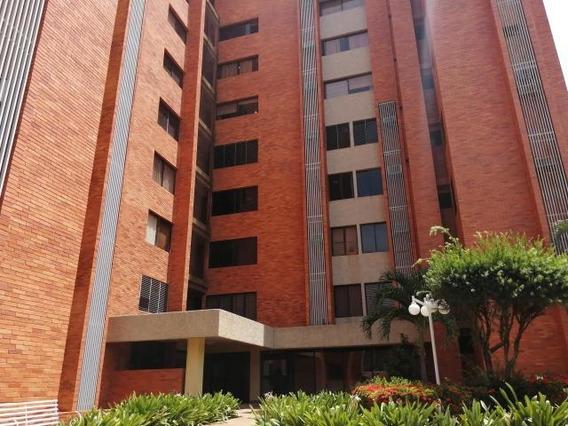 Apartamento En Alquiler. Banco Mara. Mls 20-16269. Adl.