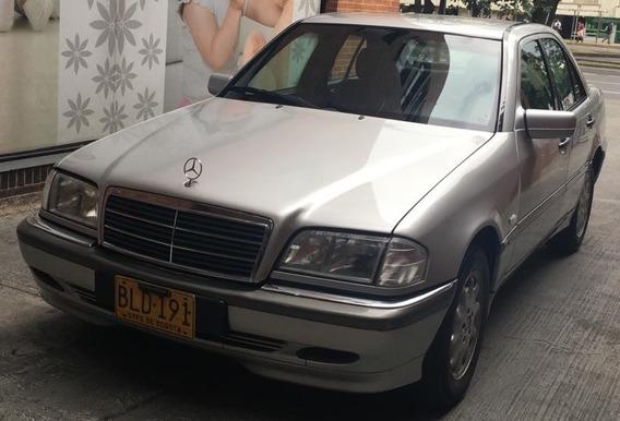 Mercedez Benz 240c 5 Pasajeros