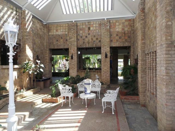 Casa Quinta En Venta El Castaño Cod. 20-7046 Hjl Inversión