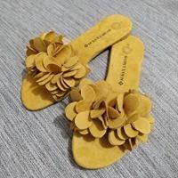 Sandalia De Dama Con Flor.