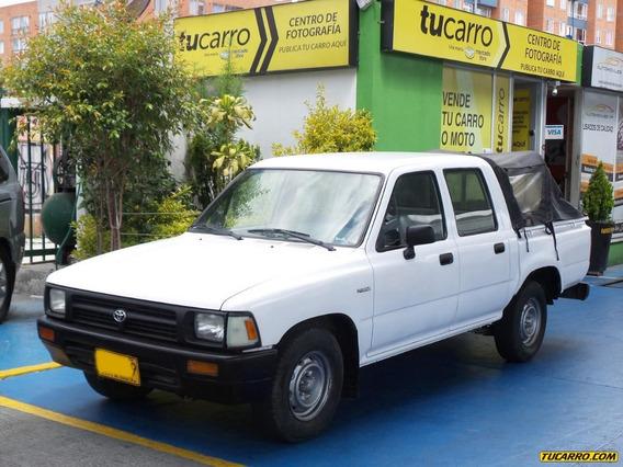 Toyota Hilux 2.450cc 4x2 Mt