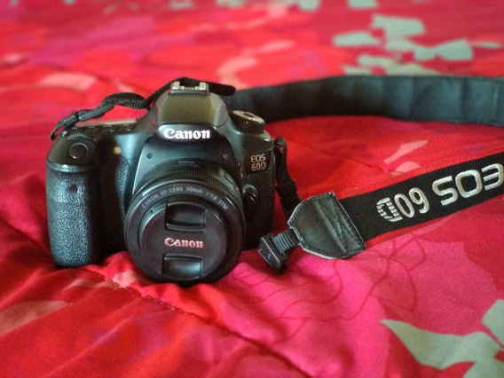 Câmera Canon 60d + Lente 50mm 1.8 Semi Nova + Brinde