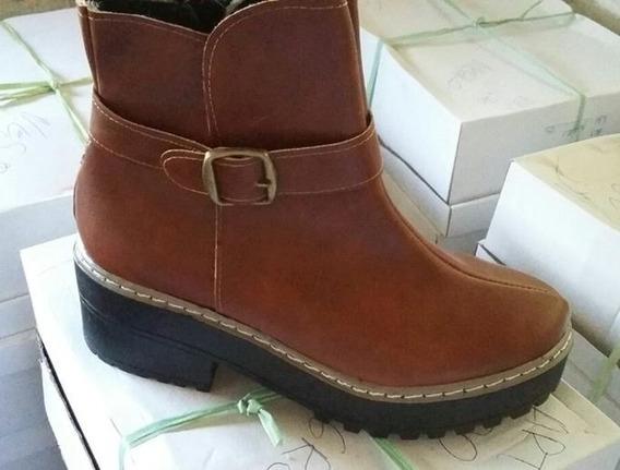 Botas Con Plataforma Y Hebilla - La Diosa Shoes