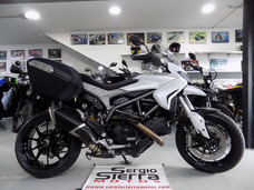 Ducati Hyperstrada821 Blanca 2014