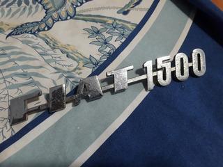 Insignia Fiat 1500