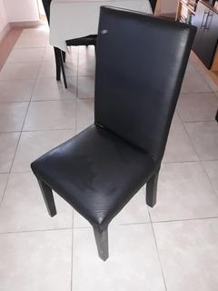 Dos Sillas Vestidas En Ecocuero Negro $850 - Leer Bien