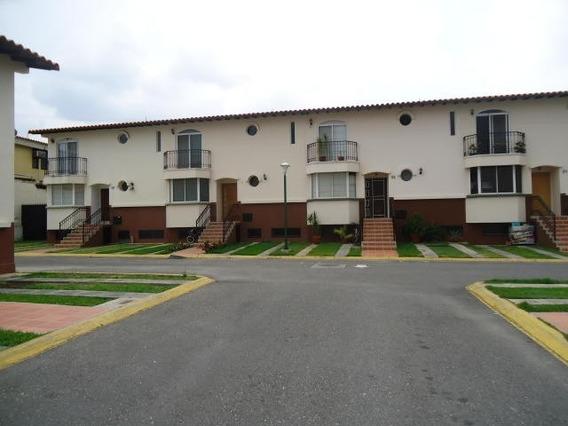 Town House En Venta Cabudare Lara Venezuela 04245067576
