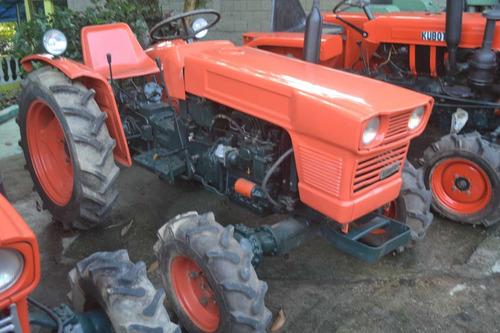 Trator Kubota 4x4