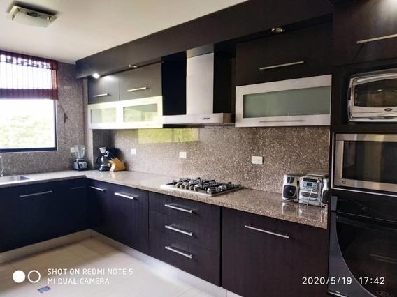 Apartamento Amoblado En Urb. Gabriela Country,