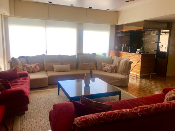 Venta Casa En Punta Carretas. Gran Fondo. 3 Garajes! 490m2