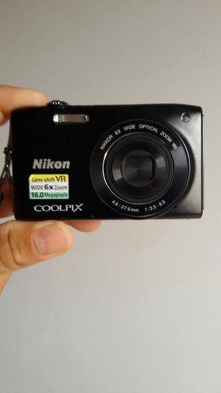 Camera Nikon 6x Zoom
