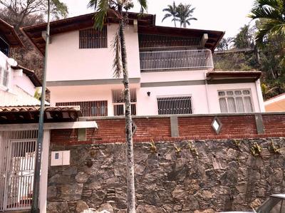Se Vende/alquila Casa 438m2 4h+s/6b+s/3p Santa Marta