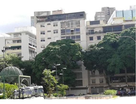 Apartamento En Venta Altamira Jf3 Mls19-3664