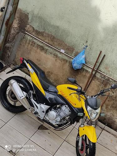 Imagem 1 de 2 de Honda Cb300