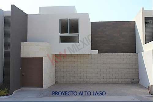 Venta De Casa Habitación En Excelente Zona, Paseo Sena #146 Fracc. Alto Lago Residencial, Paseo De Los Horizontes, San Luis Potosí $3,575,000.00.