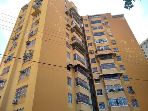 Dlc Apartamento Venta Urb. El Centro Cod;20-18817