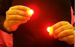 D´lite, Luz En Las Manos Magia