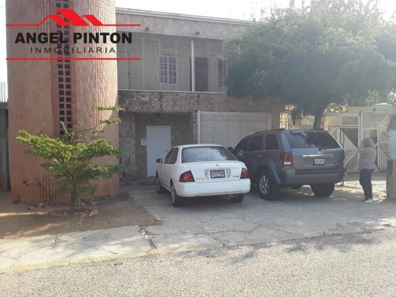 Casa Alquiler Urbanización La Trinidad Maracaibo Api 5043 Lb