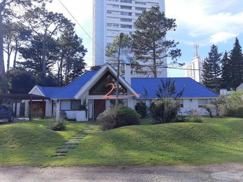 Casa En Venta En Excelente Estado De Conservaciòn - Ref: 3221