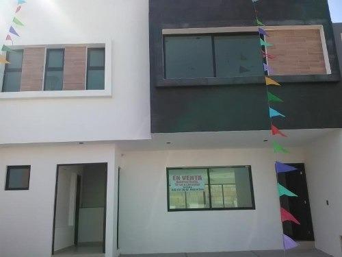 Casa Sola En Venta Fracc Punta Esmeralda