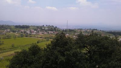 Hermosa Vista Del Terreno Hacia El Popocatepetl.