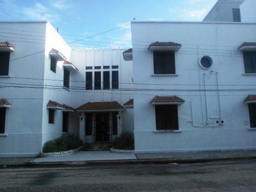 Edificio Remodelado En Buenas Condiciones En El Centro