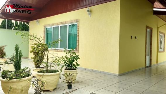 Casa Em Bairro Nobre Com 3 Dormitórios Sendo 1 Suite Sala 2 Ambientes ,wc Social ,cozinha ,lavanderia. Edicula Com Dormitório E Wc E Área Com Churrasqueira. 400 Metros Da Praia R - Ca01020 - 333120