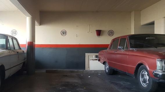 Amplia Cochera Fija En Once - Apto Camioneta