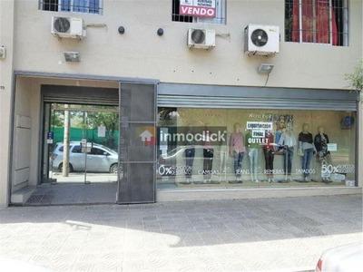 Openhouse Vende Local Comercial Con Amplio Departamento.