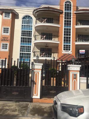 Apartamento En Un Primer Nivel Con Patio En Cerro Alto