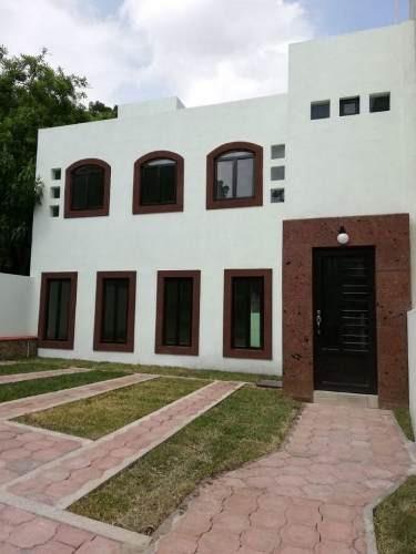 Bonita Casa En Venta En Ahuatepec, Cuernavaca, Morelos.