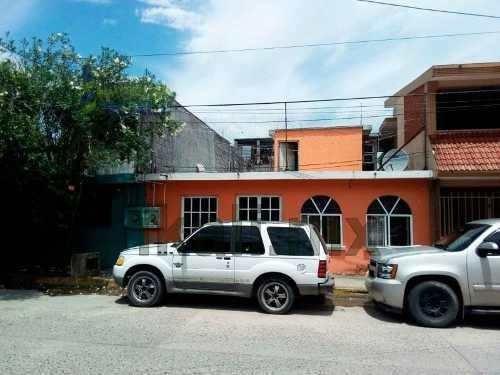 Vendo Casa 3 Rec En Tuxpan Veracruz, Se Encuentra Ubicada Muy Cerca De Los Principales Centros Comerciales Chedraui, Plaza Cristal, Liverpool, Cuenta Con 120 M² De Terreno Y 136 M² De Construcción, S
