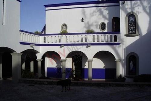 Preciosa Residencia Estilo Colonial En Tetela Del Monte - Cuernavaca, Mor. - Clave 008-cm