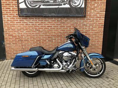 Harley Davidson Street Glide 2014 Com 8000km