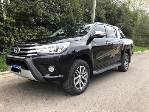 Imagen 1 de 8 de Toyota Hilux 2.8 Cd Srx 177cv 4x4 At 2017
