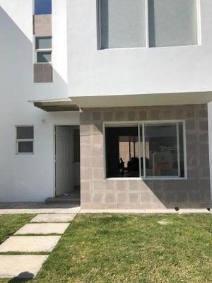Casa Amueblada En Renta Santuarios Del Cerrito.. Rcr100111-mg