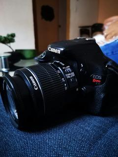 Canon Eos T3i - Cargador, Micro 16gb, Lente 18-55mm