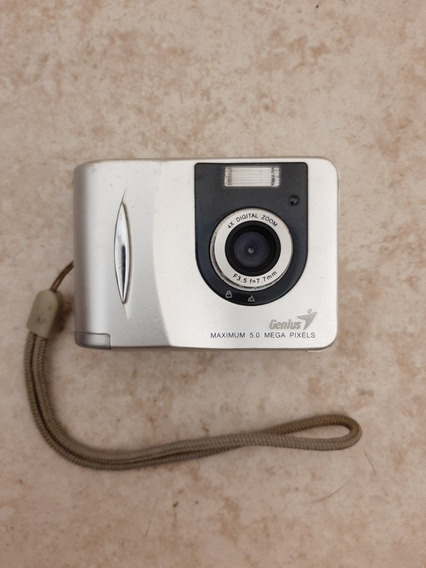 Cámara De Fotos Genius 5 Megas Píxeles. Funciona Perfecto