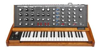 Sintetizador Moog Minimoog Voyage Old School Os Analogico