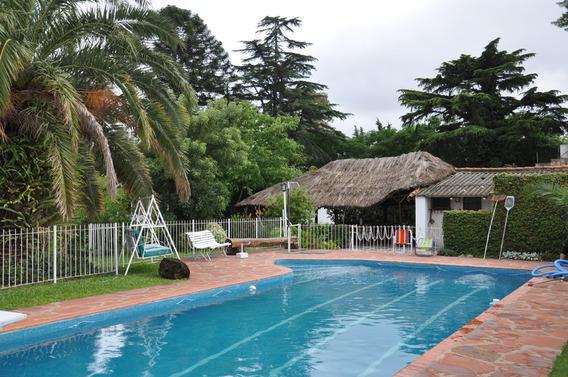 Casa Quinta - 4 Amb. 3 Baños - Pileta - Cochera