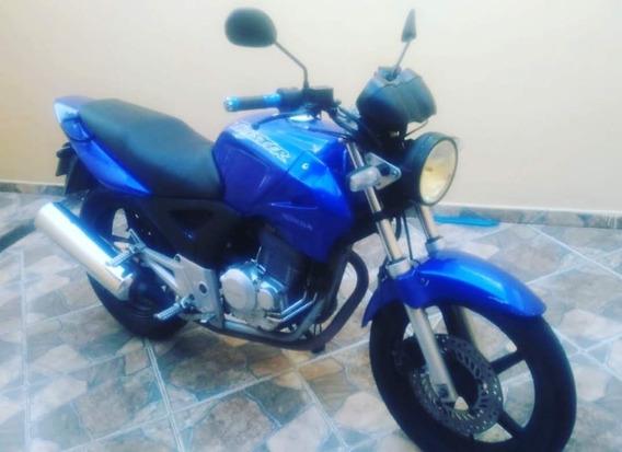 Moto Twister Ano 2002