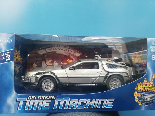Delorean Time Machine Back To The Future Parte 2  1/24 Welly