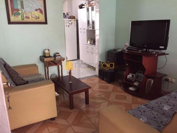 Centro, Casa Com Varanda, Sala, 2 Quartos, Banho, Copa Cozinha, + Anexo Com Dependências Empregada, Área E Despensa. - Ca0794