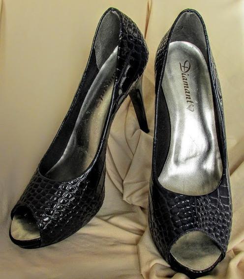 Sapato Peep Toe De Verniz Croco