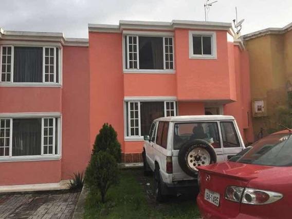 Arriendo Casa Valle De Los Chillos Conj:el Alcazar0963785634