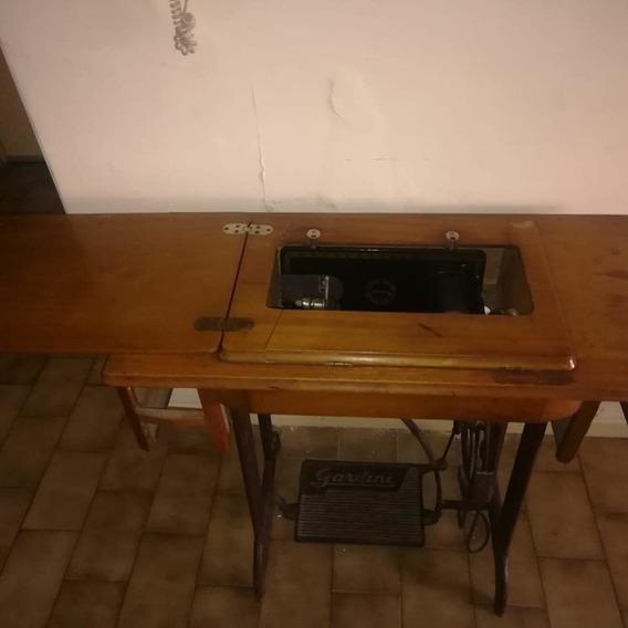 Vendo Maquina De Coser Gardini, Se Puede Usar Como Mueble.