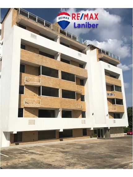Apartamento En Sector Villa Central C.r Dk 0202 A Estrenar