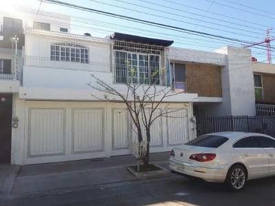 Casa De 7 Recs. En Venta, Prados Vallarta, Zapopan Jal.