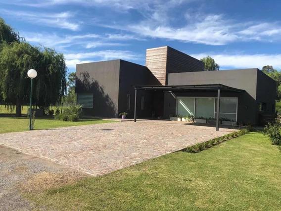 Casa Alquiler 3 Dormitorios, 3 Baños Y Piscina -lote 1,080 Mts 2 Y 260 Mts 2 Cubiertos - La Candida