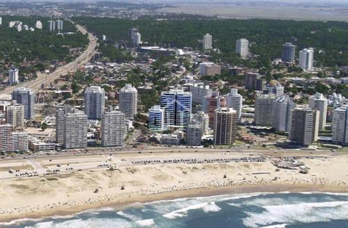 Vendo Apartamento En Edificio Arenas Del Mar Ii- Ref: 218